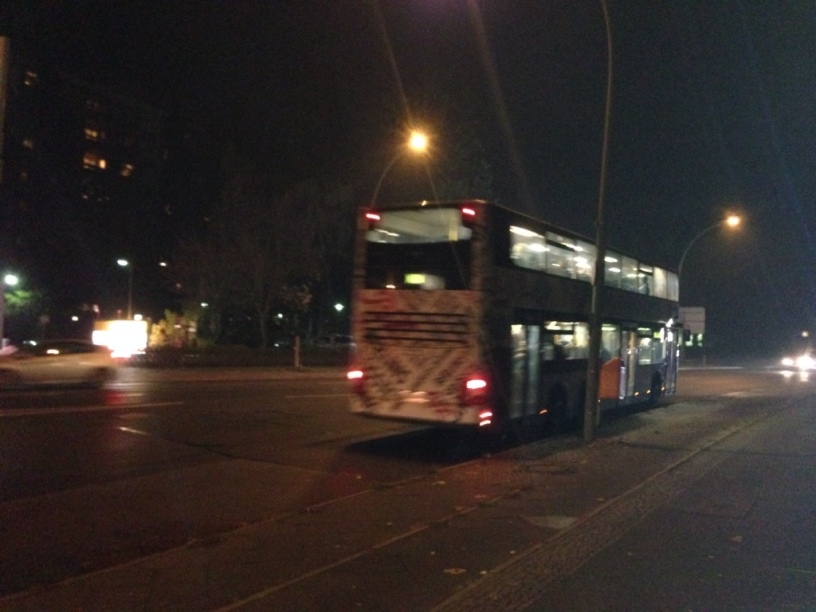Bus bei Nacht